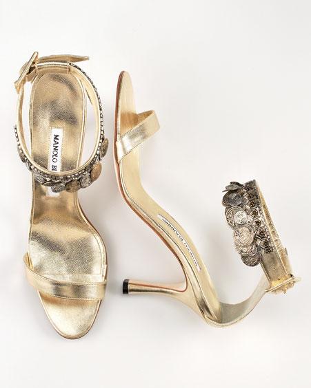 Najkrajšie Popolnočné plesové šaty :) + najkrajšie botičky - a pár klenotov od Manola Blahnika