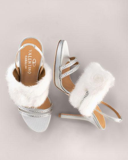 Najkrajšie Popolnočné plesové šaty :) + najkrajšie botičky - rozkošné, nie? Valentino....