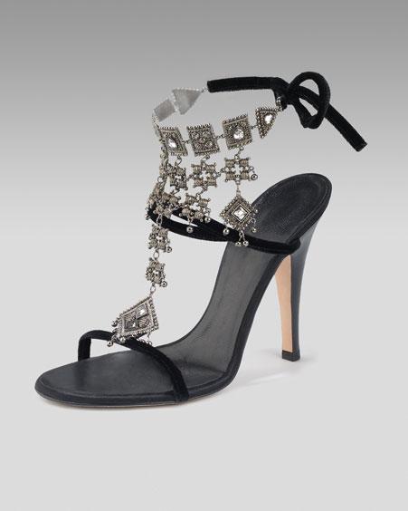 Najkrajšie Popolnočné plesové šaty :) + najkrajšie botičky - toto je úplná brutalita...