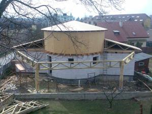 Druhé podlažie a strecha