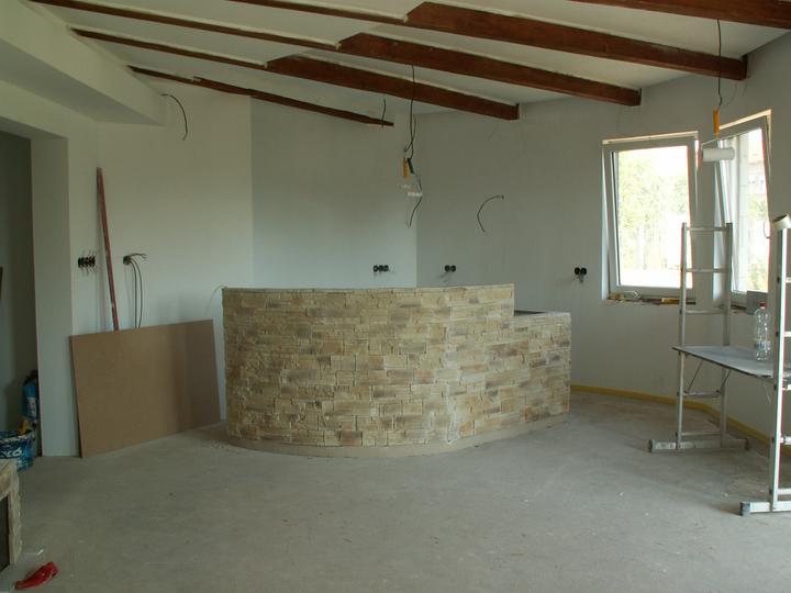 Náš dom ALEX - Obložený barový pult
