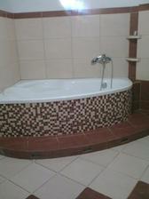 Finišujeme s hlavnou kúpeľňou