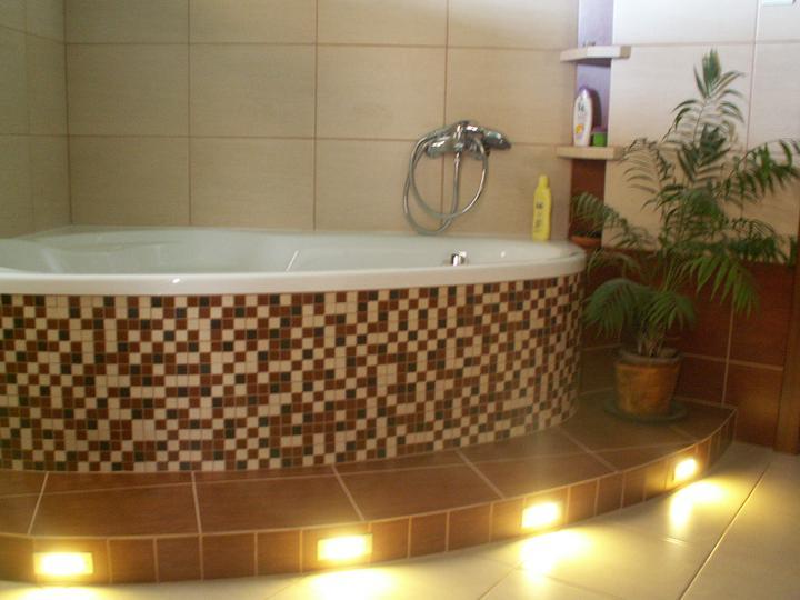 Náš dom ALEX - LED osvetlenie v kúpelni v prevádzke