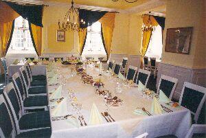 zde bude svatební oběd s rodinou