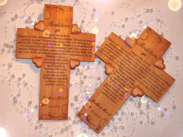 Netradičné doplnky Vašej svadby - Ďakovný krížik