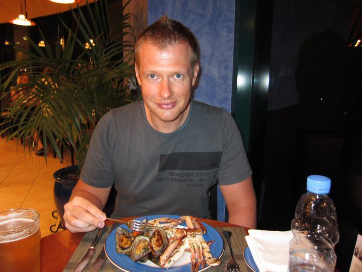 Eva{{_AND_}}Tom - mušle, krabi, suši, garnely. toho se tam mužíček přežral :-)