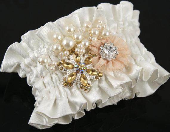 Pudrová svatba - přípravy a inspirace - náramek. Krásný,že? :-)