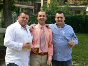 tři bratři... :-)