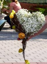 tahle je nadherna...chtela bych kvetinu treba z jerabin, sípku apod.