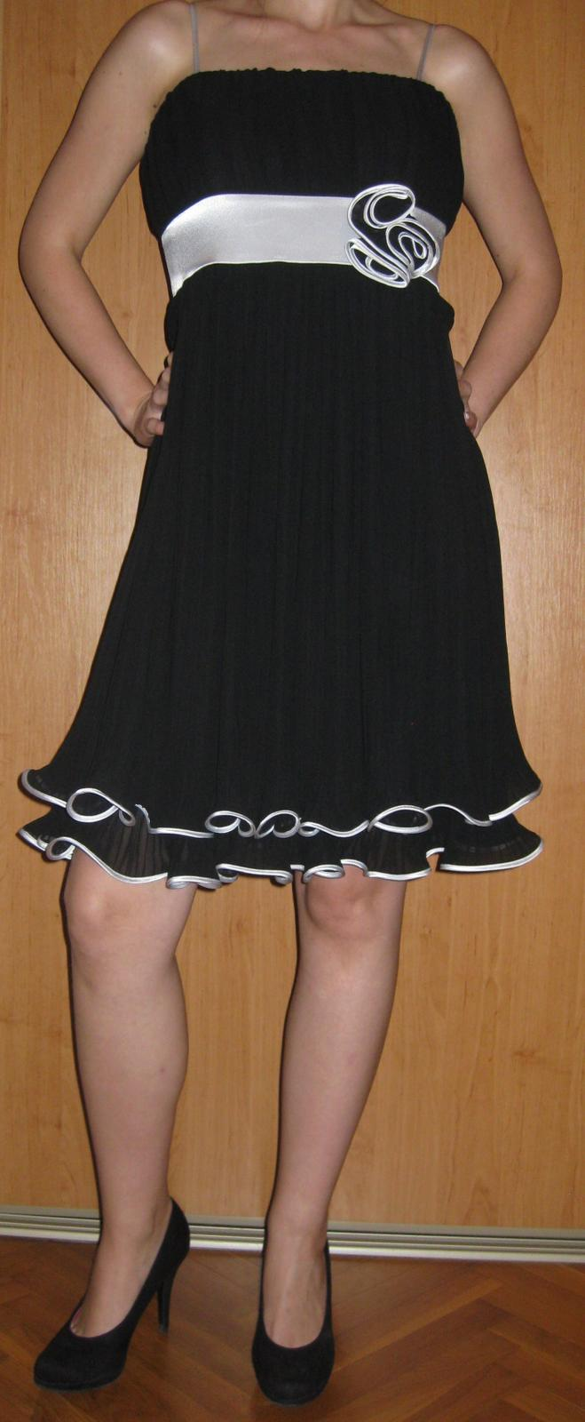 Čierne spoločenská šaty - Obrázok č. 1