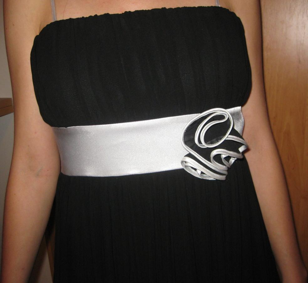 Čierne spoločenská šaty - Obrázok č. 4