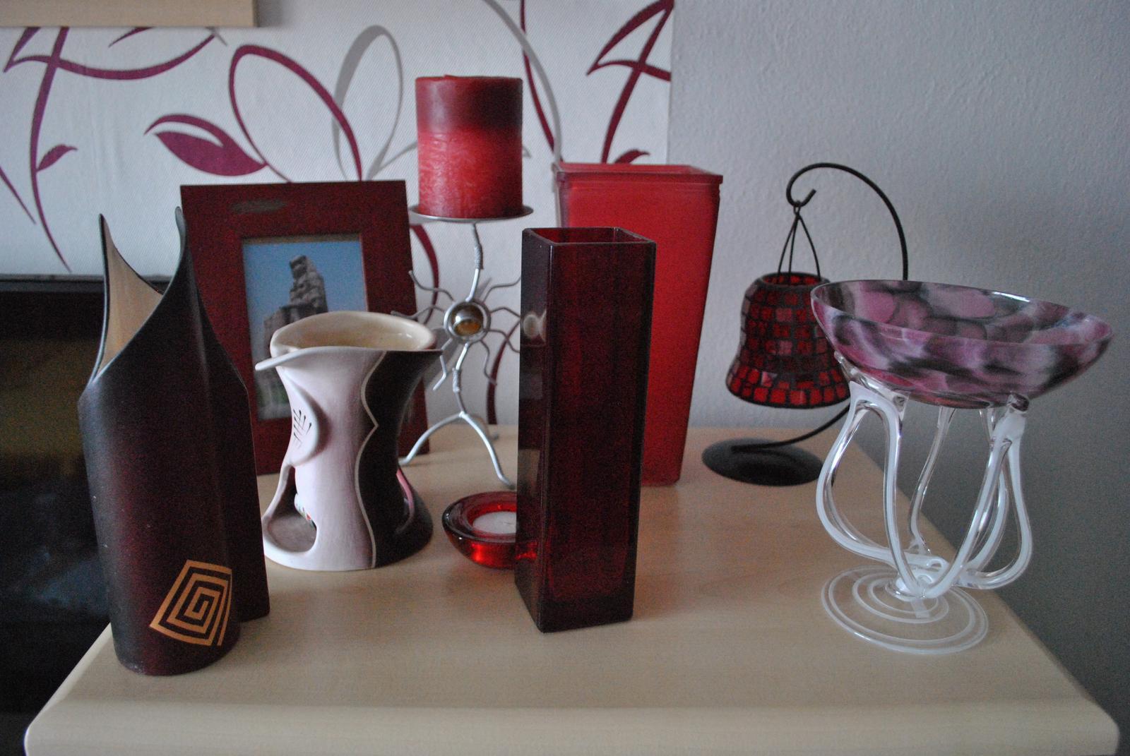 bordové doplnky - vázy, sviečka, aromalampa, rámik - Obrázok č. 1