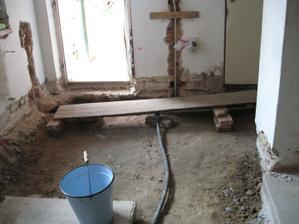 Nejhorší byla nutnost neustále držet barák pod elektrikou a vodou tak aby byl obyvatelný