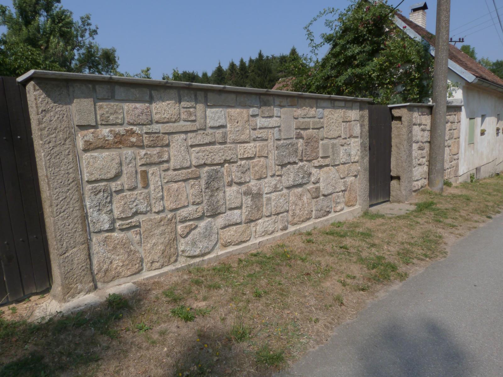 Ostatní - kamenná zeď