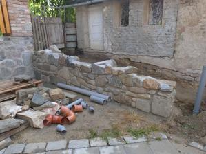 Opět práce s kamenem