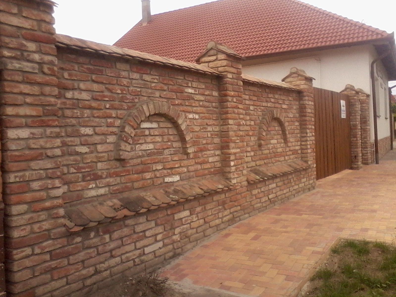 Ostatní - cihelná inspirace plot a brána - hotová