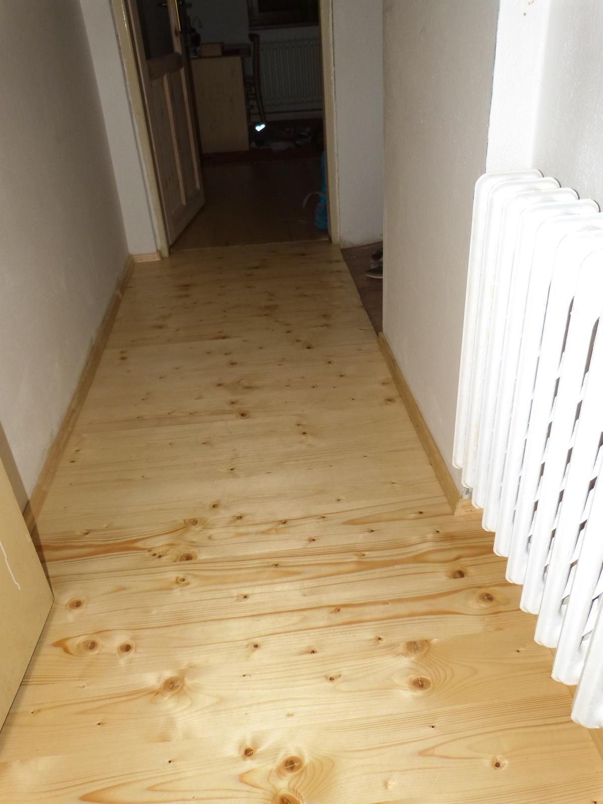 Podlahy - Podlaha v chodbičce v patře