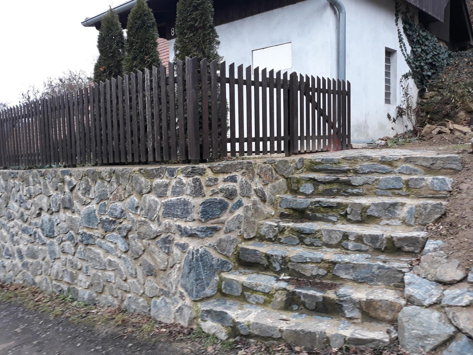 Ostatní - A schody