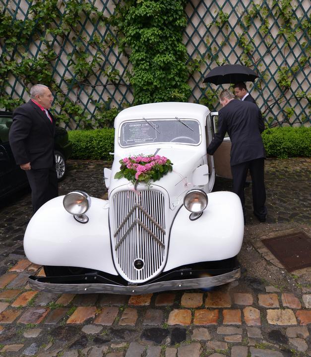 Léňa{{_AND_}}Karlos - Tchánova chlouba vezla nevěstu :)