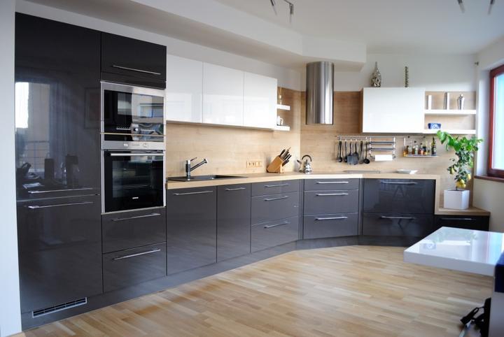 Myslím si... aneb inspirace pro naše bydlení - naše kombinace - šedé dole, nahoře bílé... jen musíme vykoumat pracovní desku