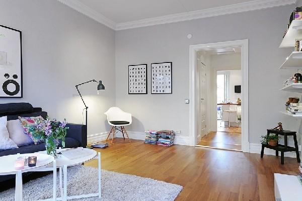 Myslím si... aneb inspirace pro naše bydlení - ano! ano! bílé lišty, kobereček jen pod konferenčním stolkem a křesílko..