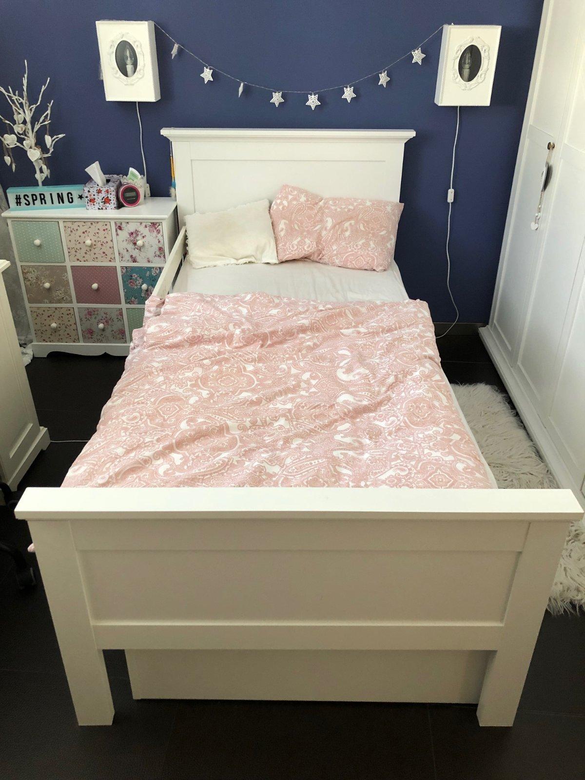 Dievčenská biela romatická posteľ 90x200 cm - Obrázok č. 1