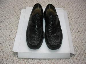 prozatimní botky ženicha, možná si koupí ještě nové