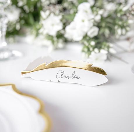 Menovky na stôl - Pierka - Biela a Zlatá (10ks) - Obrázok č. 1