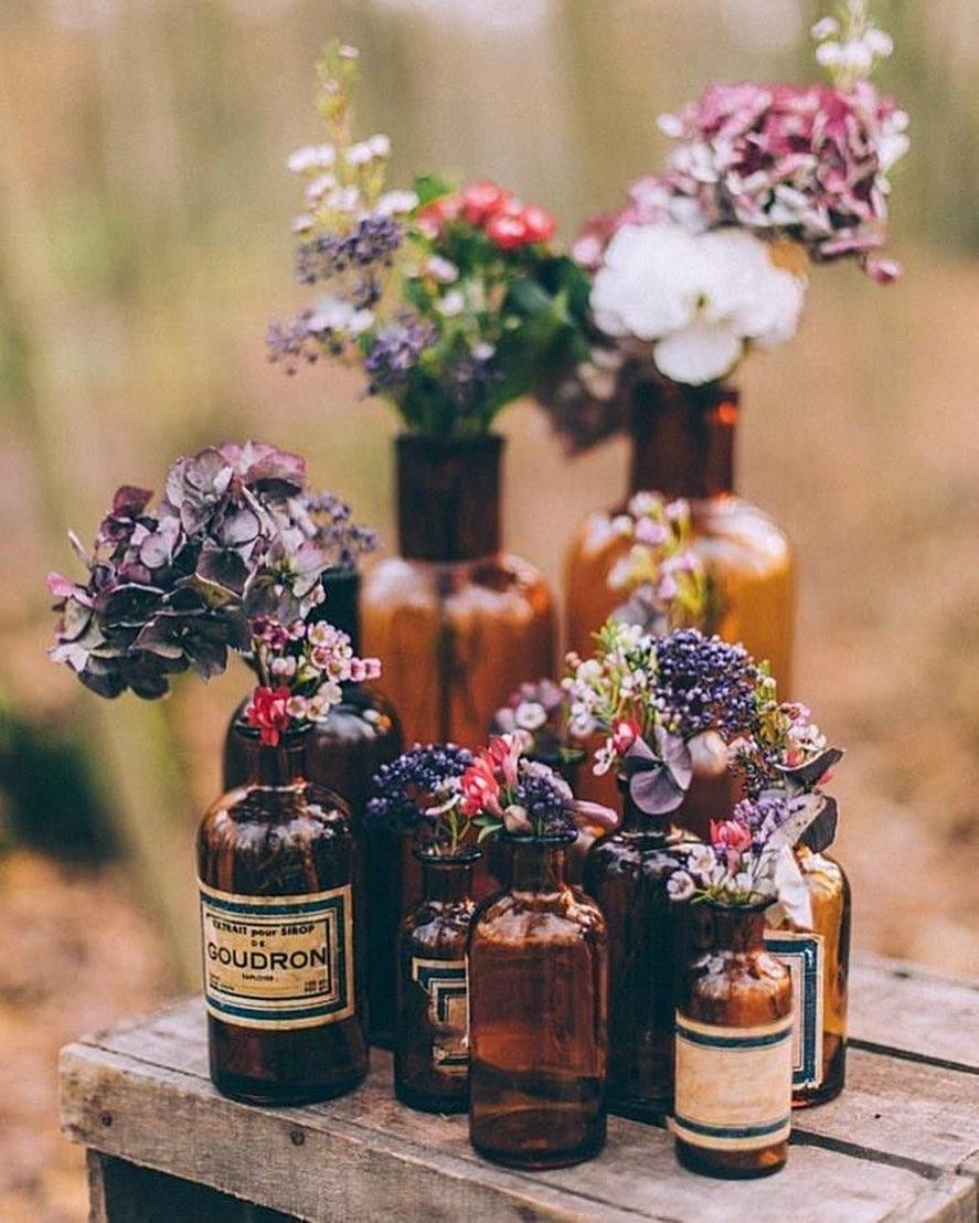 Máme ešte krásne teplé dni aj večery, tak poďme von oslavovať - takéto úžasné #svetlo, ktoré je zachytené na tejto fotografií nám môže vytvoriť iba #priroda.  . . Toto je zachytené niekde v lese - tam, kde je tak príjemne počas letných dní či večerov. Tam, kde bude tak úžasne práve vo váš velký deň.  . . #svadba #svatba #svadbavprirode #vlese #svadbavonku #svadbavprirode #svatebni #svatebniinspirace #woodland #priroda #jul #leto #vyzdoba #svadba2020 #nevesta #zenich #svadbapreteba #kvety - Obrázok č. 1