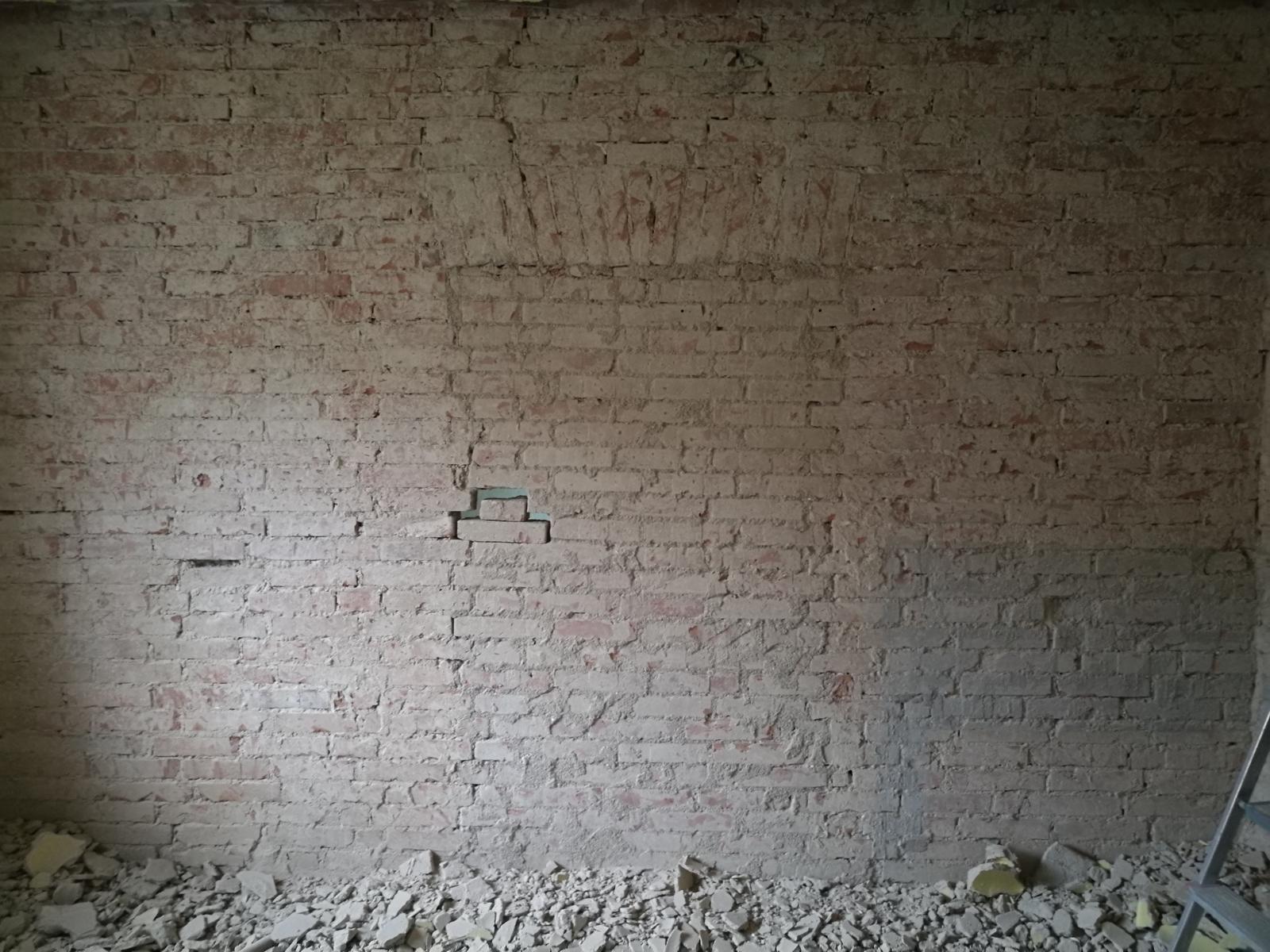 Náš budúci domov - rekonštrukcia rodinného domu - Tajné dvere, čo sa za nimi skrýva? Odhalenie už zajtra...