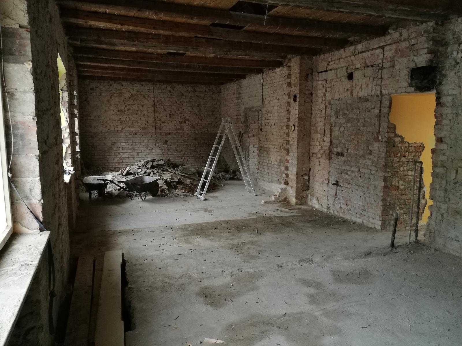 Náš budúci domov - rekonštrukcia rodinného domu - Výsledok po dvoch kontajneroch, objednávamé ďalší...