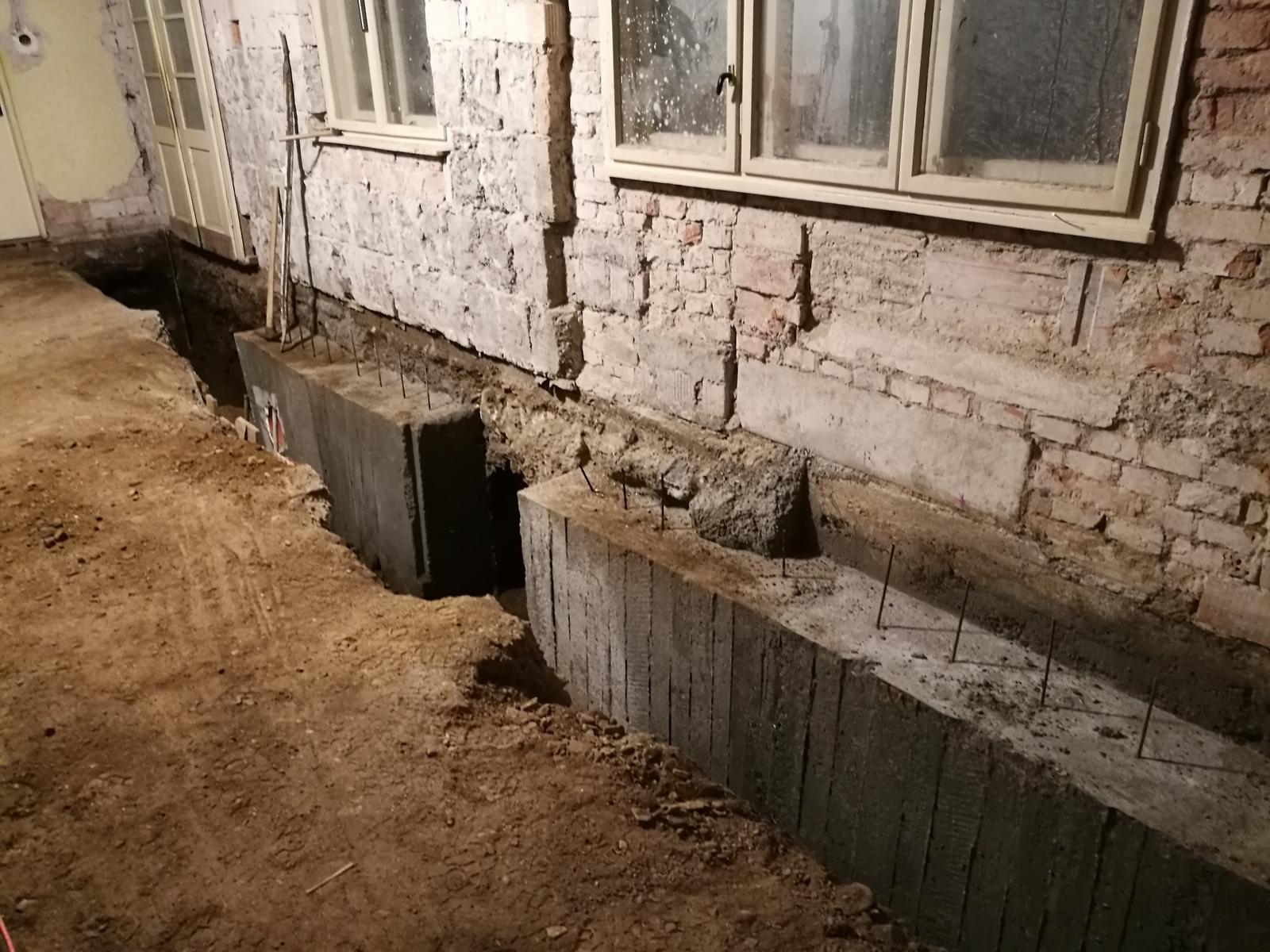 Náš budúci domov - rekonštrukcia rodinného domu - Pokračujeme... už aby to bolo