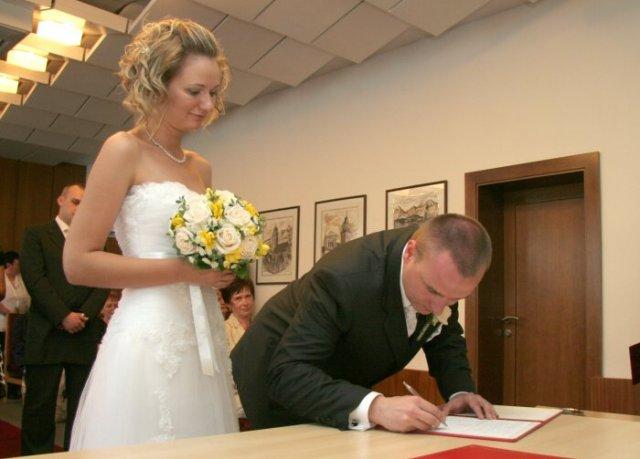 Soňa{{_AND_}}Martin - ...podpis manžela...