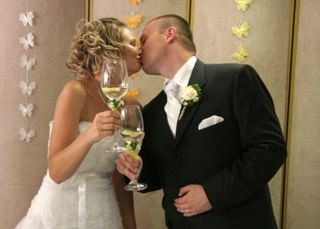 """Soňa{{_AND_}}Martin - ...bacha na vec, poháre """"vyrábal"""" môj manžel..."""
