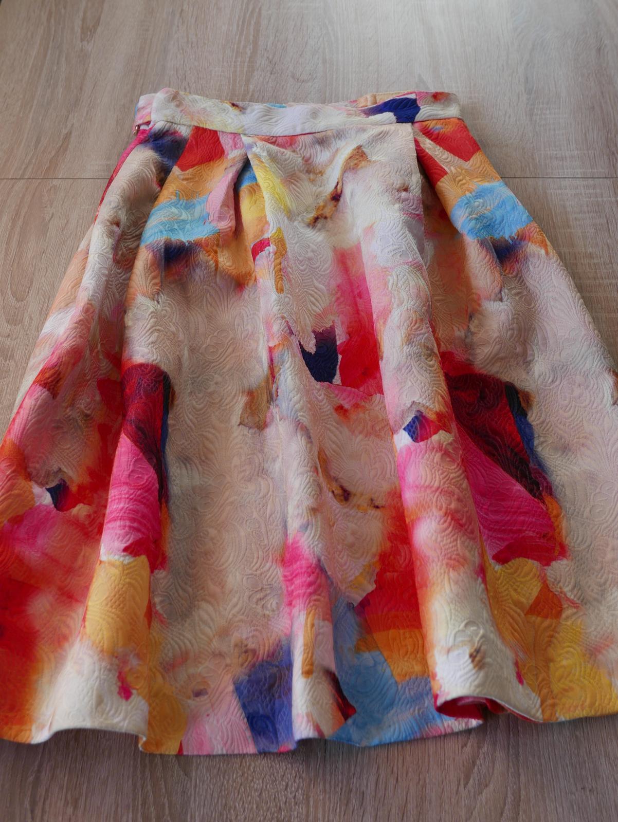 Spoločenská sukňa farebná, nepoužitá - Obrázok č. 1