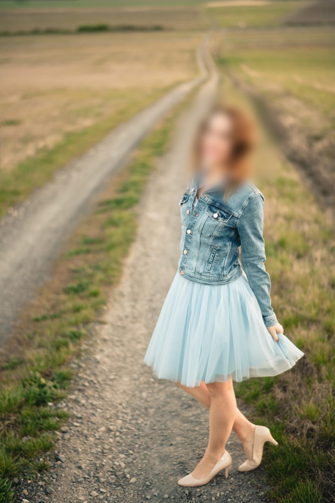 Tylová sukňa svetlomodrá - Obrázok č. 1