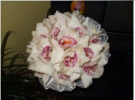 Svadobne kytice,torticky a ucesy po svadbe - Obrázok č. 9