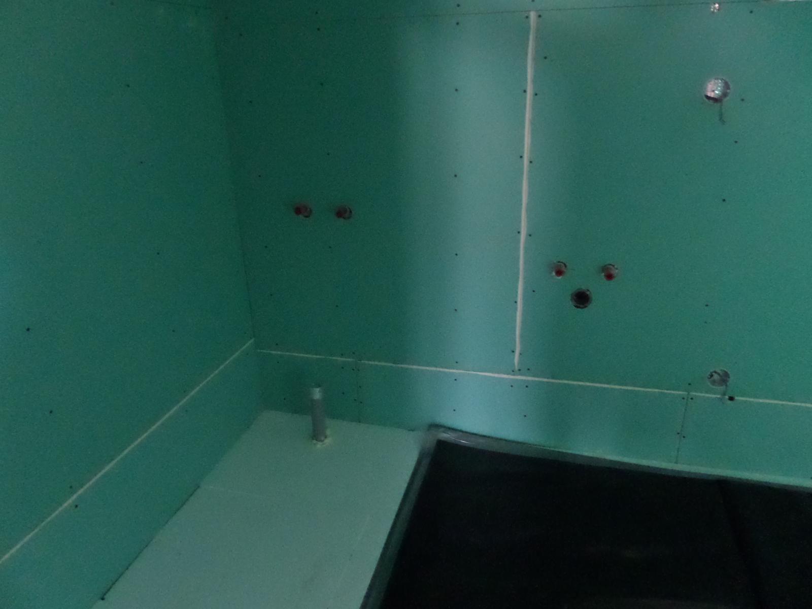 Bungalov Martina - 25.6.2014 sdk v kúpeľni, pripravené aj podlahové infra kúrenie