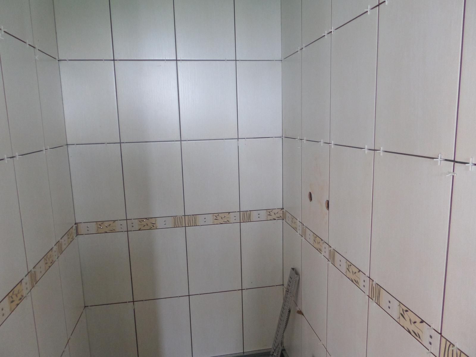 Bungalov Martina - 11.7.2014 obklad sprchového kúta