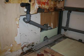 dnesne buracie prace- novy odpad, priprava na betonovanie (prackovy syfon a zlab do kuta)