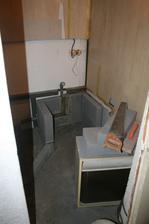 Tak a zacali sme  murovat kut a zadnu stenu pre rpzvod vody