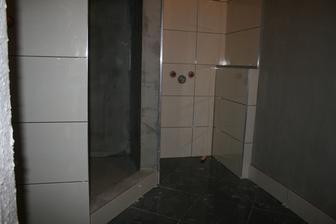 Prvá fáza- Obklad a dlažba kúpelňa, hydroizolácia sprchový kút