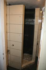 Druhá fáza- Obklad a dlažba kúpelňa