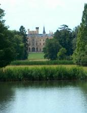 tady u toho zámku bude naše svatba :-)