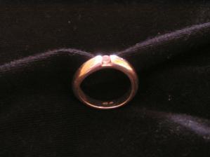 první prstýnek od mého miláčka - k narozeninám :-)