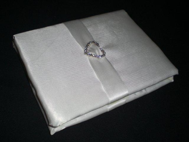 Pripravy a - Co sa da urobit k svadbe, ked je cas a chut - podpisova kniha na blahopriania (tvrdy zosit, vystelka, latka, stuha, brosna, lepidlo)