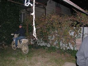 ráno štvrtej štartovala motorka-susedia mali radosť