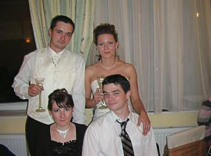 tominov brat s manželkou
