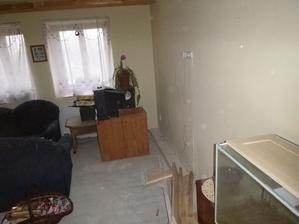 obývák bez podlahy