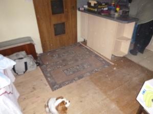 tady řádil pat s matem když je vysoká podlaha tak ji vyřízneme  ne ?